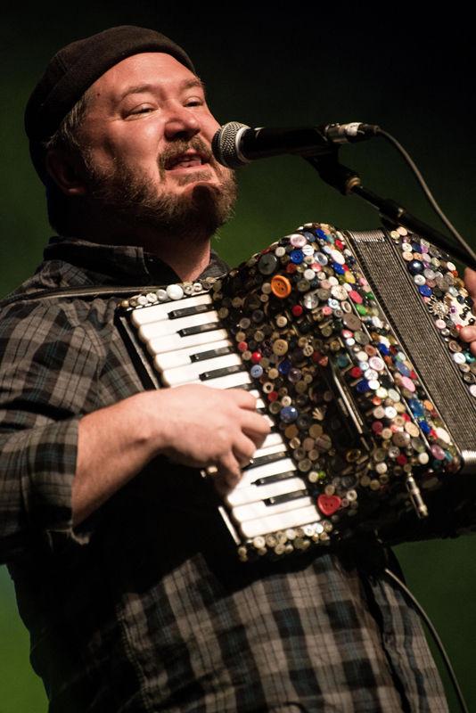 Le Festival Grassroots s'ouvre au son de la musique traditionnelle canadienne française